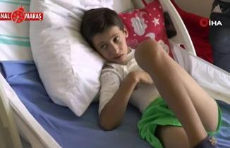 10 yaşındaki çocuk ikizini alev topuna çevirdi