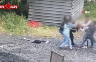 Sultangazi'de kızların tekme tokat kavgası kameraya yansıdı