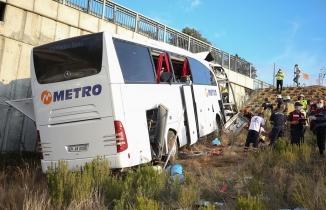 Metro Turizm otobüsü İstanbul'da kaza yaptı