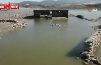 Kahramanmaraş'ın o barajında sular çekildi, bir köy ortaya çıktı