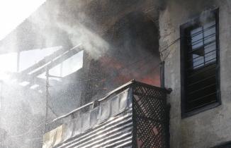 Kahramanmaraş'ta yangın! 3 ev kül oldu!