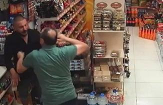 Marketteki kasadan para çalmak isteyen hırsız bu sefer sert kayaya çarptı!