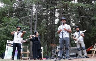 Kahramanmaraş'ta müzik doğayla buluştu! Asırlık ağaçların altında...