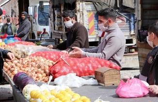 Yasaklanmıştı! Erzurum'daki pazarda koronavirüs kavgası