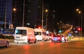 Kahramanmaraşlılar kısıtlamanın ardından sokağa döküldü