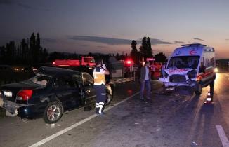 3 araç birbirine girdi... Kütahya'da zincirleme kaza: 3 ölü, 4 yaralı