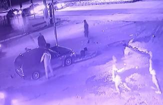 Kahramanmaraş'ta direksiyon hakimiyetini kaybedip trafik lambasına çarptı