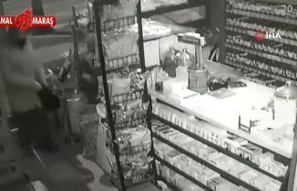 Kahramanmaraş'ta 2 iş yeri soydu! Telefoncuya girdi kuruyemişçiden çıktı