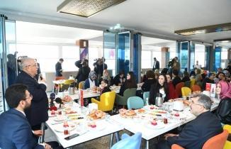 Başkan Mahçiçek öğretmenlerle kahvaltıda buluştu