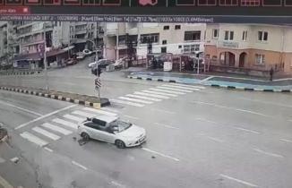Zonguldak'ta yaya geçidinden geçerken otomobil çarptı
